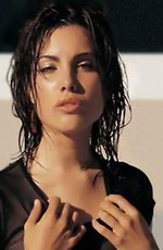 Carly Pope photo
