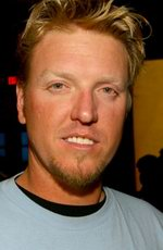 Jake Busey in Relationships