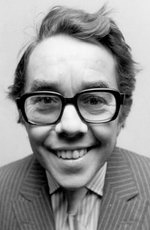 Ronnie Corbett picture